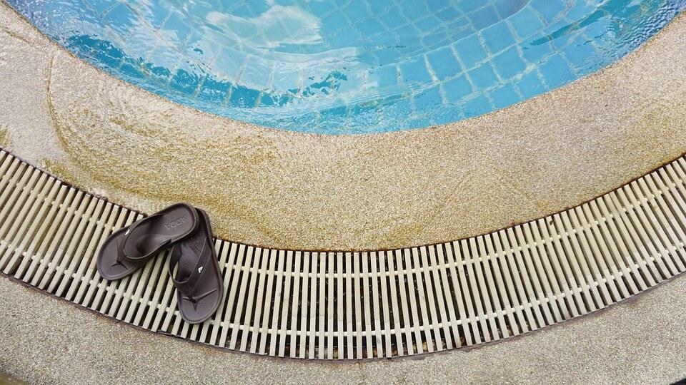 pool-1024040_960_720