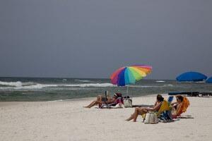 sunbathers-727392_640